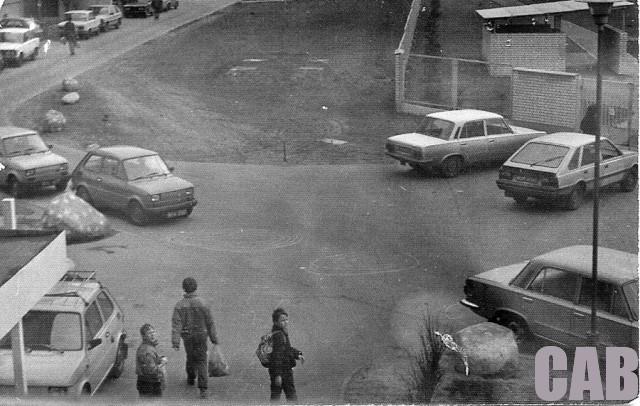 Bemowo Lotnisko - widok z bloku przy Pirenejskiej 10 (1989)