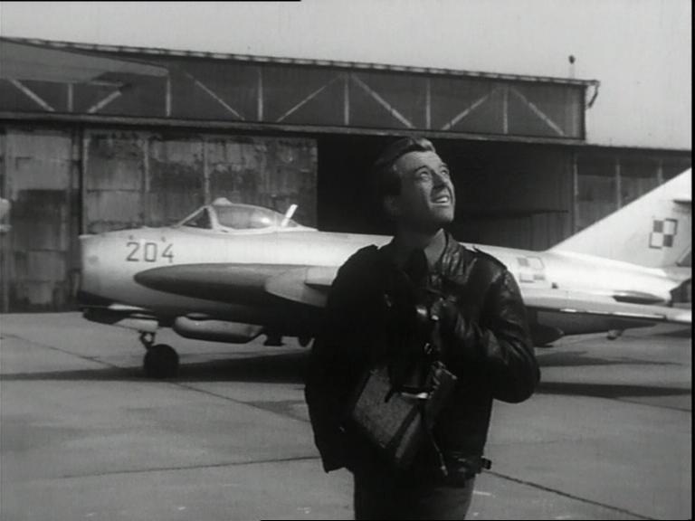 """Kadr z filmu """"Zycie raz jeszcze"""" (1964)"""