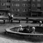Piaskownica przy ul. Czumy 14 - lata 80.