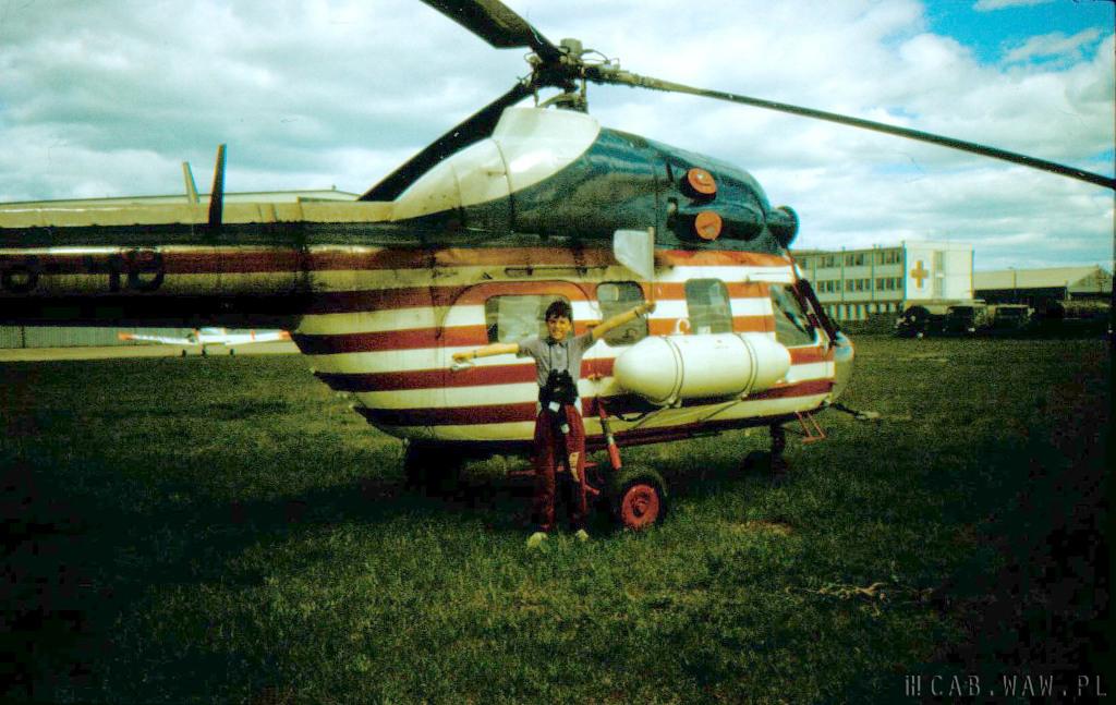 Przy helikopterze na Lotnisku Babice