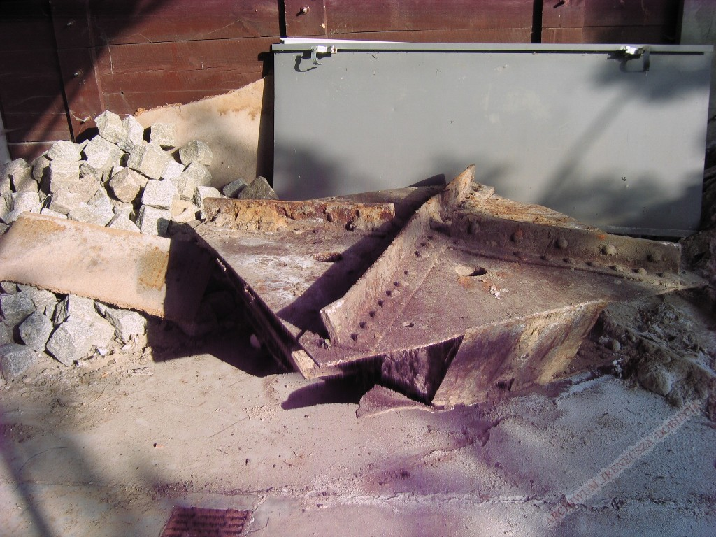 Odnaleziona płyta masztu anteny radiostacji transatlantyckiej