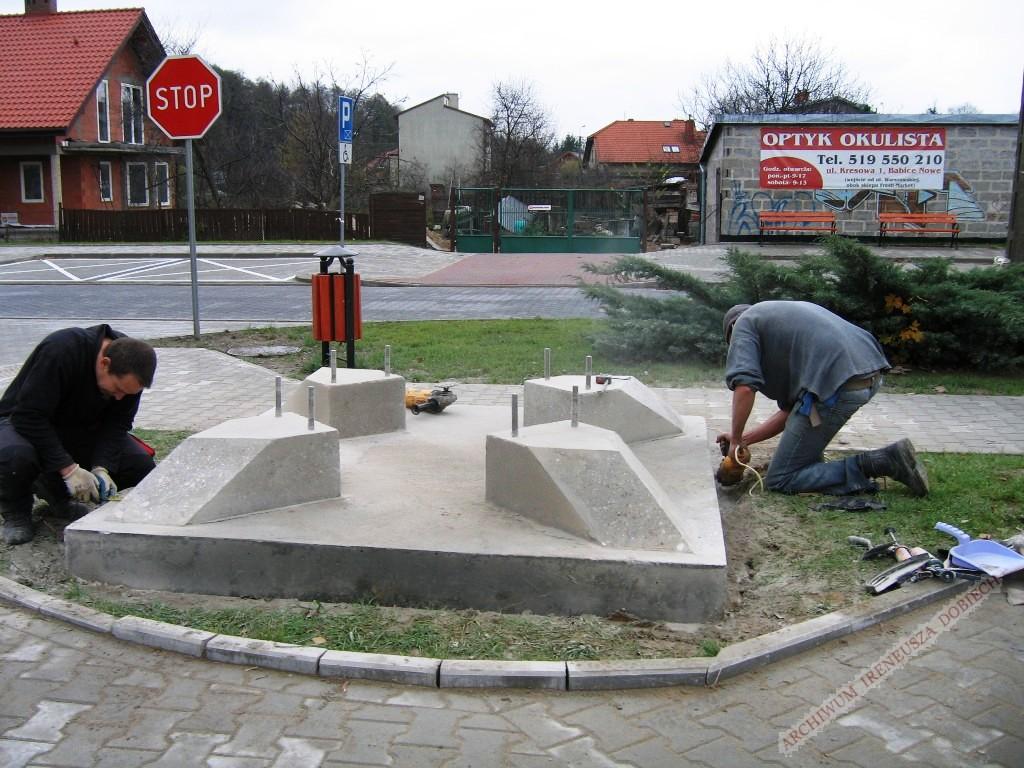 Betonowa podstawa pomnika radiostacji transatlantyckiej
