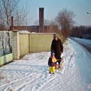 Widok murowanego ogrodzenia kotłowni WAT, ok. 1993 r.