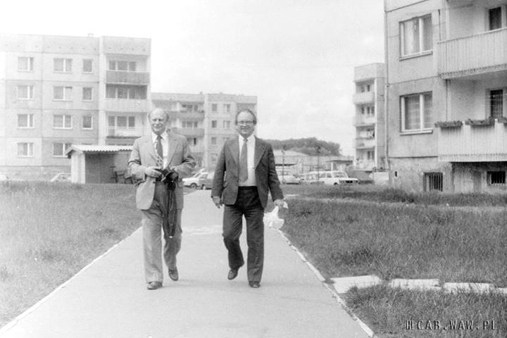 Podwórko przy ul. Apenińskiej – lata 80.